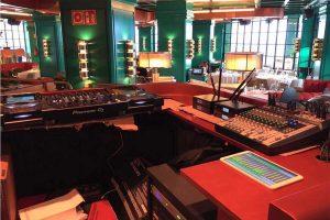 Cabina de sonido en restaurante Tatel Ibiza
