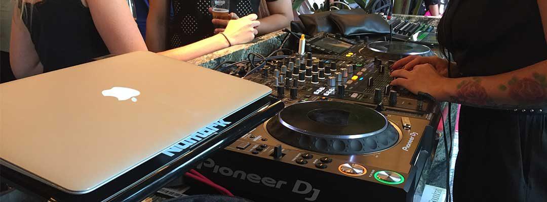 Instalación del equipo de sonido en Zela Ibiza