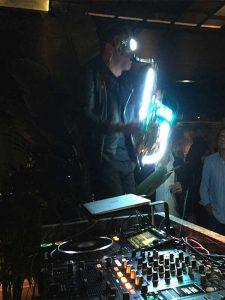 Saxo en directo en restaurante Zela Ibiza